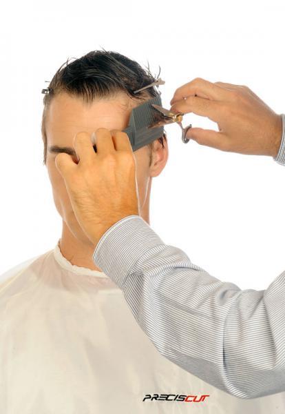 Corto ambos laterales medios con peine Preciscut Large, sección 3 (trapezoidal). Tecnica de corte tijera sobre peine Preciscut